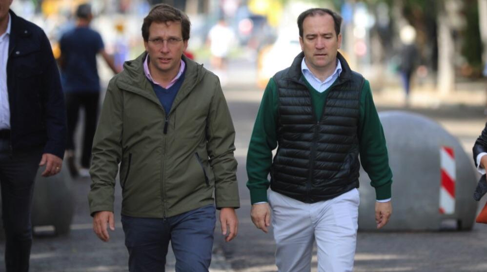 José Luis Martínez-Almeida y Borja Carabante, edil de Movilidad. (Foto. Madrid)