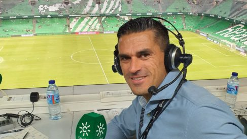 Juanito comentando un partido del Betis (@Juanitobetis4)