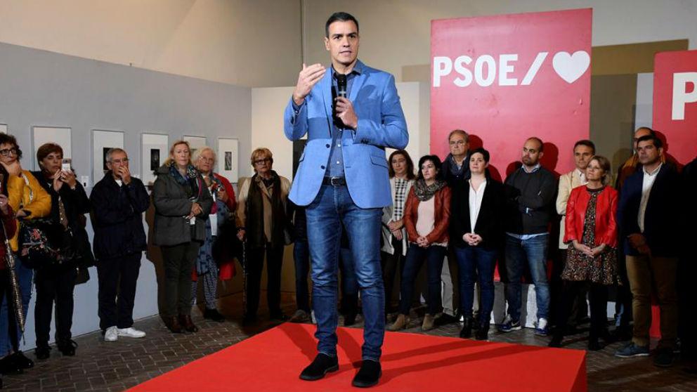Pedro Sánchez en un acto de precampaña en Segovia. (Efe)