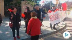 Enfrentamiento dialéctico entre chinos e independentistas catalanes en Barcelona.