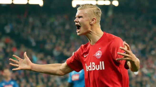 Erling Haland celebra un gol ante el Nápoles (AFP).