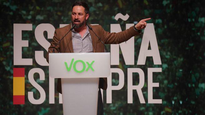 vox-santiago-abascal Vox inmigrantes