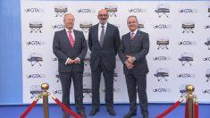 Fernando Abril-Martorell, presidente de Indra, en la inauguración del ultimo simulador fabricado para GTA