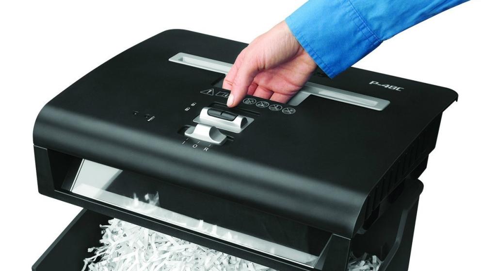 Las destructoras o trituradoras de papel son muy útiles si manejas muchos documentos