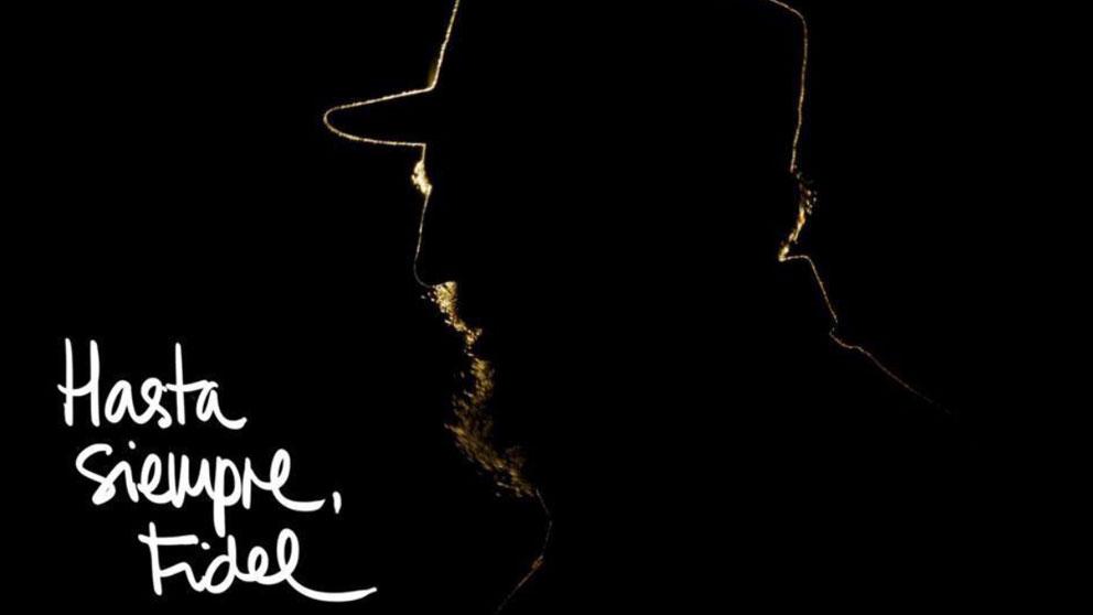 Imagen con la que acompañó Izquierda Unida su mensaje alabando al dictador cubano Fidel Castro cuando falleció.