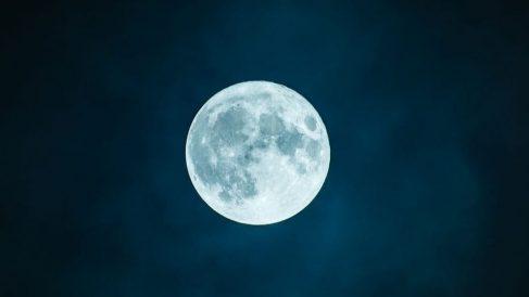 Influyen las fases lunares en el parto