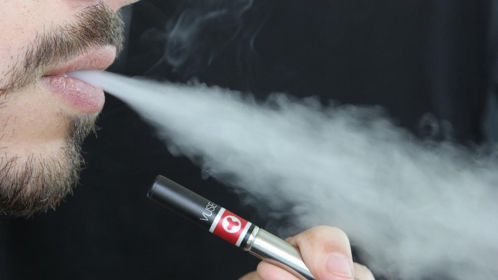 ¿Es bueno usar los cigarrillos electrónicos?