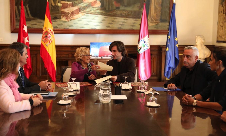 Firma de los documentos en octubre de 2018. (Foto. Madrid)