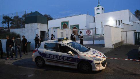 Mezquita atacada en Bayona (Foto: AFP)