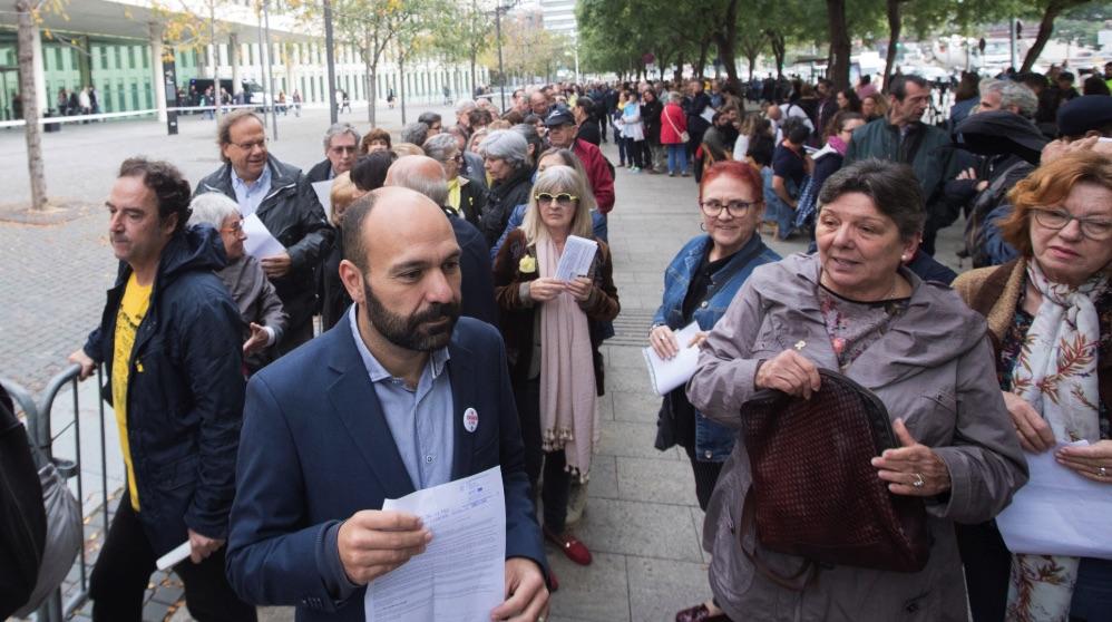 Los separatistas colapsan los juzgados catalanes presentando denuncias «autoinculpándose» de un delito de sedición.