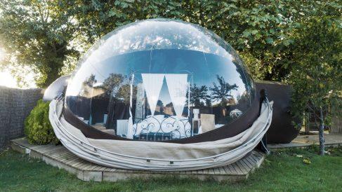 Dormir en una burbuja mirando las estrellas es toda una experiencia