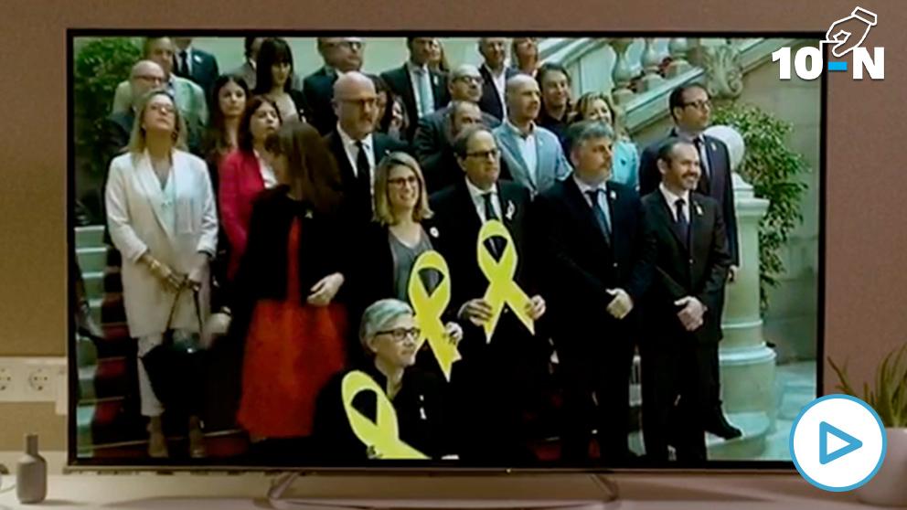 Vídeo electoral de Ciudadanos con una imagen de Torra y Artadi portando lazos amarillos gigantes.