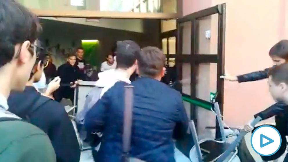 estudiantes-pompeu-fabra-enfrentamientos-play