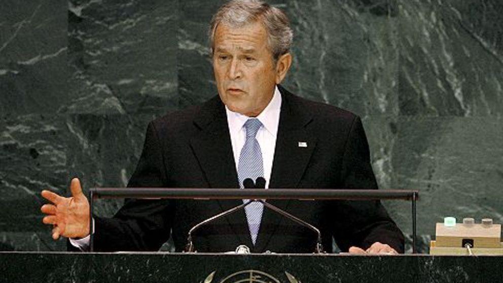 El 10 de noviembre de 2001, el presidente George W. Bush habla en las Naciones Unidas para pedir ayuda para combatir el terrorismo