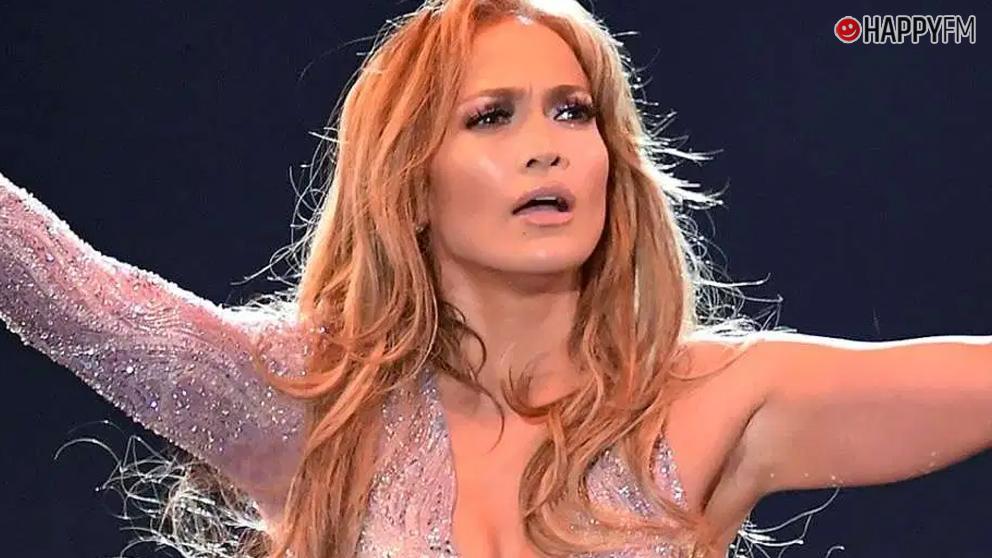 Jennifer Lopez, muy criticada por esta imagen