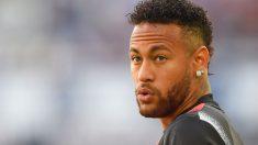 Neymar, antes de un encuentro con el PSG. (AFP)