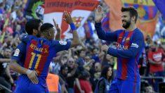 Piqué celebra un gol con Neymar en el Barcelona. (AFP)