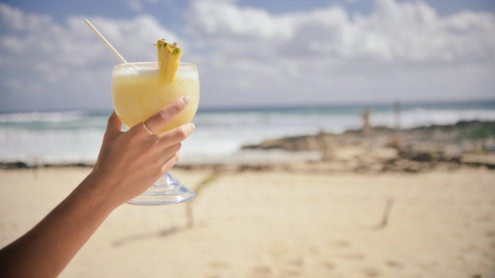 El zumo de piña es muy beneficioso para el organismo