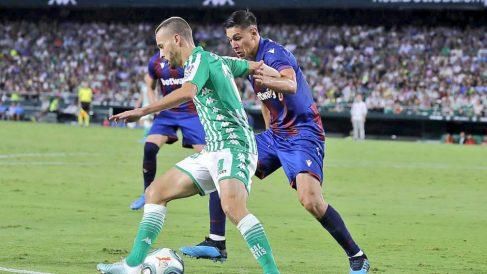 Sergio Canales en un partido ante el Levante (@SergioCanales)