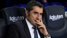 Valverde, en el banquillo del Camp Nou. (AFP)