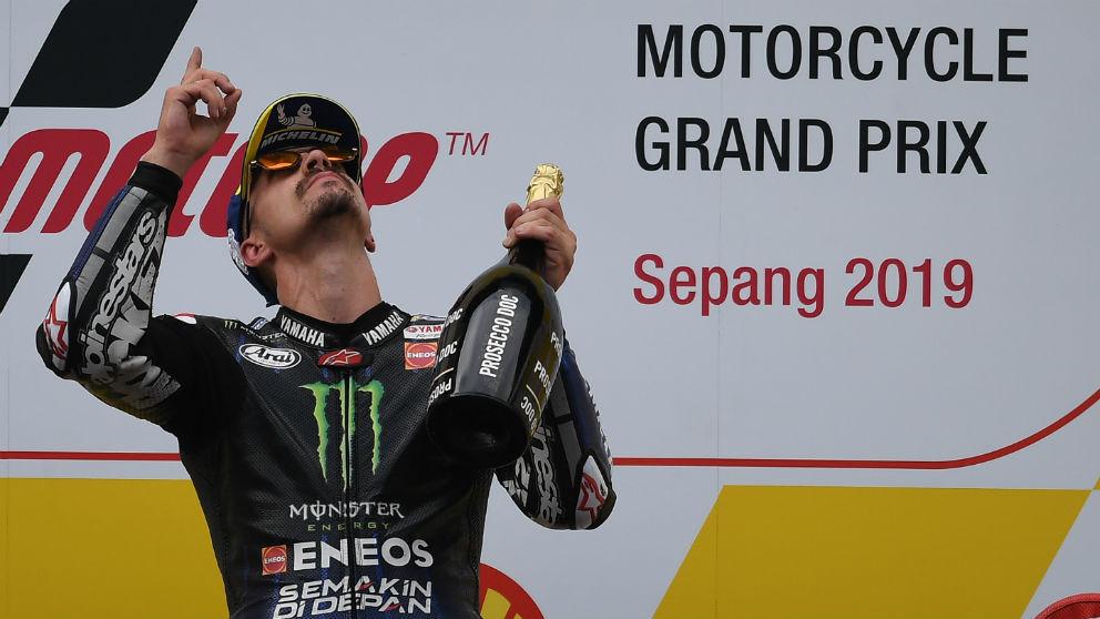Maverick Viñales celebra su victoria en el GP de Malasia de MotoGP. (AFP)