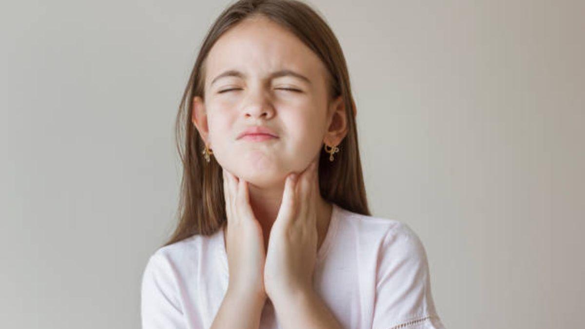 Cómo podemos aliviar el dolor de garganta de los niños