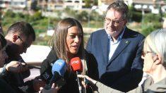 Míriam Nogueras, candidata al Congreso con JxCAT, atendiendo a los medios.