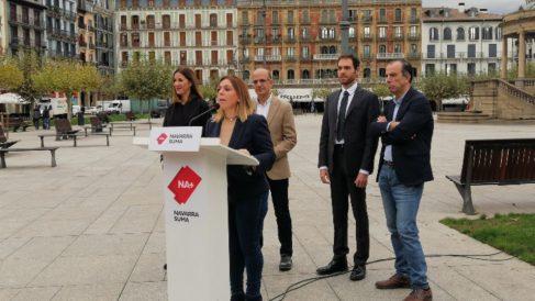 Los candidatos de Navarra Suma al Congreso y al Senado en un acto electoral en la plaza del Castillo de Pamplona. Foto: EP