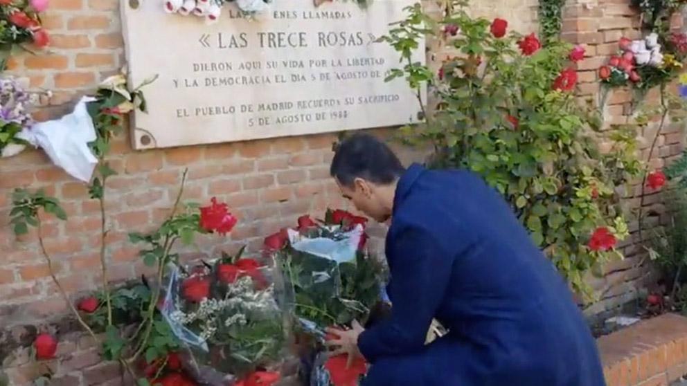 Pedro Sánchez, en el cementerio de La Almudena.