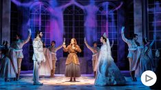 Visita el backstage del musical Anastasia en este vídeo.