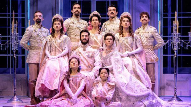 La familia del Zar Nicolás II representada en el musical 'Anastasia, el musical'.