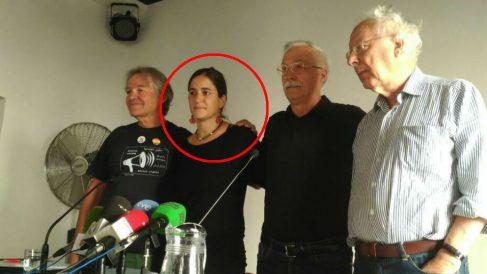Elena Martínez, asesora de Bildu en un acto de 'Madrileños por el derecho a decidir'. (Foto: @MadriDecidirCAT)