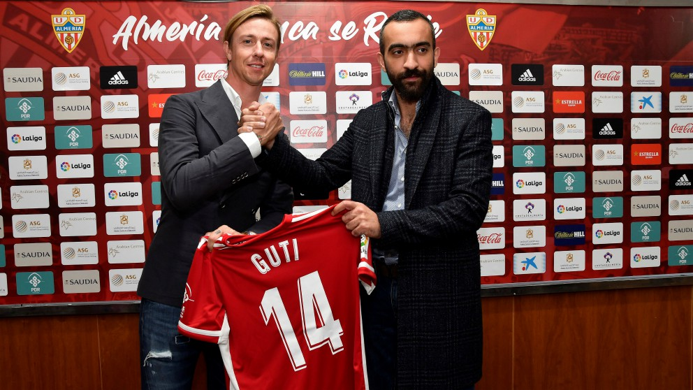 Guti, durante su presentación como entrenador del Almería. (EFE)