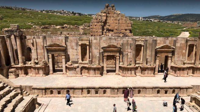 Apuñalan a tres turistas hispanohablantes, un guía y un guardia de seguridad en Jordania