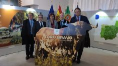 Juan Ignacio Zoido, en una exposición en el Parlamento Europeo sobre el toro bravo (Foto: EP)