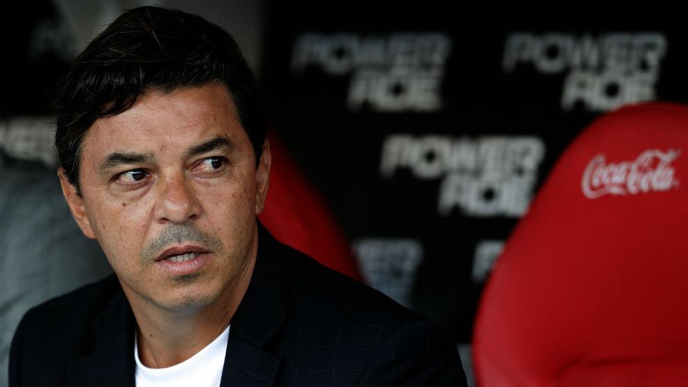 Marcelo Gallardo, en el banquillo de River Plate. (AFP)