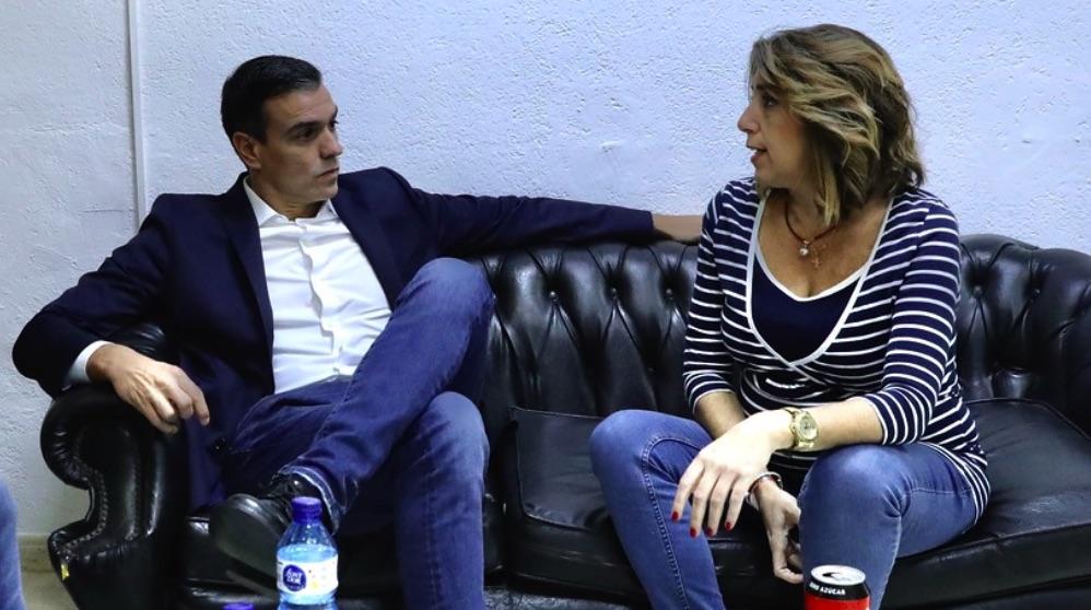 Pedro Sánchez y Susana Díaz dialogan antes de un mitin (Foto. PSOE).