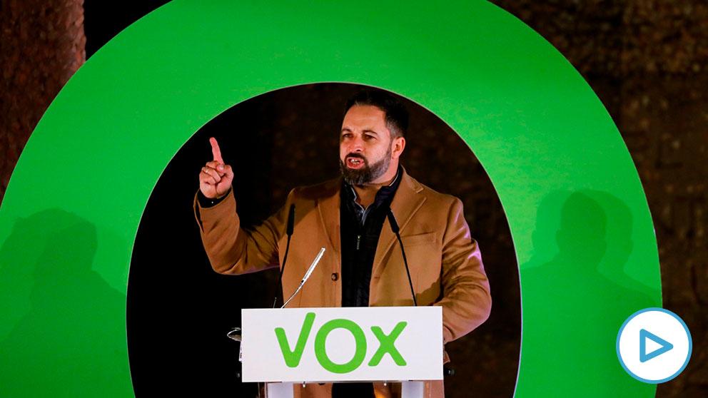 Santiago Abascal, líder de Vox, durante su intervención en la plaza de Colón