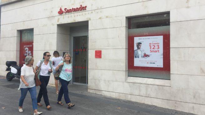 Este viernes echan el cierre 200 oficinas más del Banco Santander tras su ERE