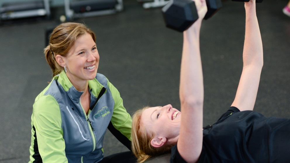 Un entrenador personal puede ser de gran ayuda en tu vida