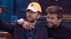 David Broncano, junto a Gerard Piqué.  ('La Resistencia')