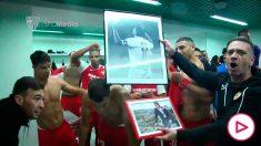 Celebración del Sevilla tras imponerse al Betis en el Benito Villamarín (@SevillaFC)
