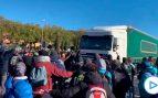 Los Mossos detienen a un camionero en La Junquera que no ha frenado ante los manifestantes