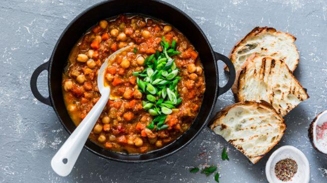 Receta de sopa de garbanzos con verduras