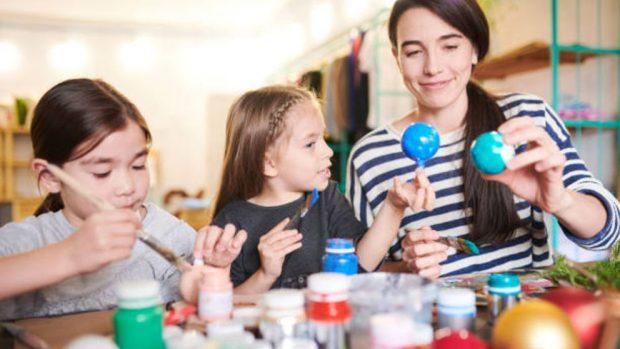 Cómo hacer manualidades con los niños para Navidad