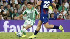 Diego Lainez en un partido ante el Levante (Real Betis)