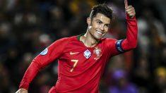 Cristiano Ronaldo celebra uno de sus goles en el Portugal – Lituania. (AFP)