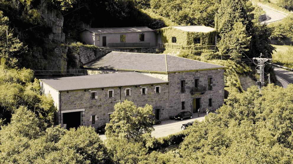 Ponte da Boga: el esfuerzo de la bodega más antigua de la Ribeira Sacra para recuperar uvas autóctonas