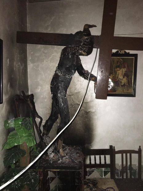 Profanan y queman al Cristo Nazareno de la ermita del Santo Sepulcro de Zaragoza