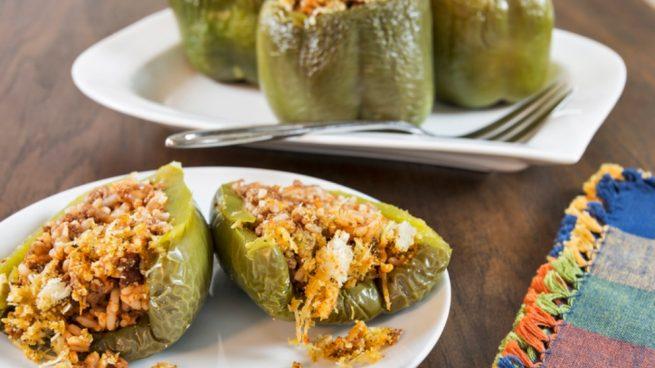 Receta de pimientos verdes rellenos de carne y pistachos